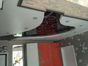 фотопечать на двухуровневом натяжном потолке